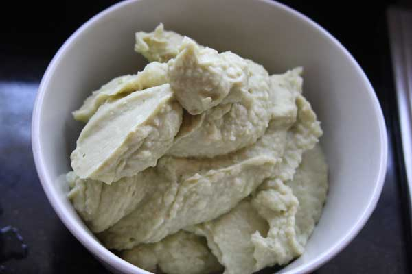 Vegan-Avocado-White-Bean-Dip