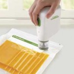 FoodSaver-FreshSaver-Handheld-Vacuum-Sealing-System