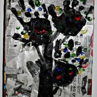Kids Frugal Craft: Newspaper Art
