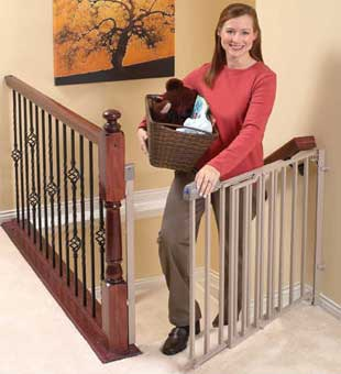 Giveaway: Evenflo Secure Step Top of Stairs Gate *Ends 9/29*
